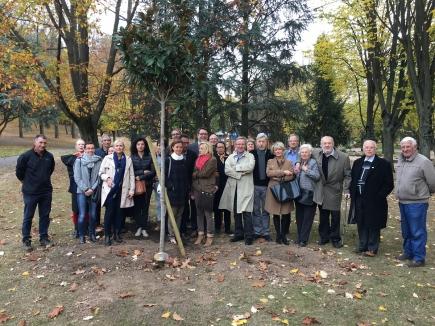 Les clubs Saint-Etienne, Forez et Horizon réunis pour la plantation d'un arbre à l'occasion du centenaire de la Fondation Rotary
